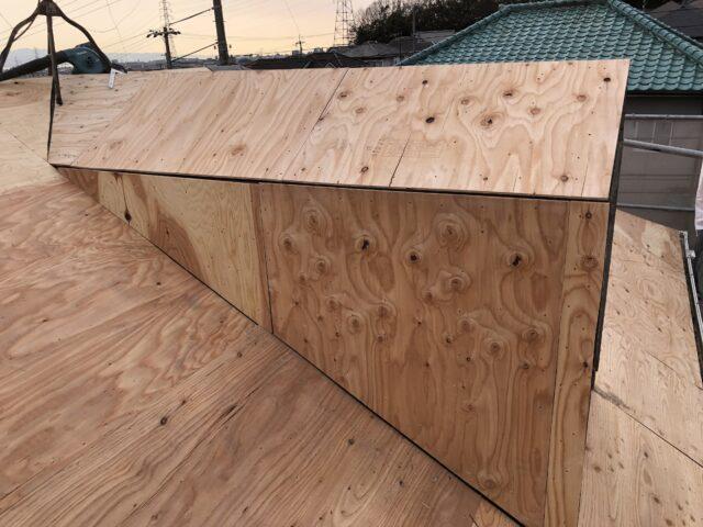 大屋根野地板増し貼り!