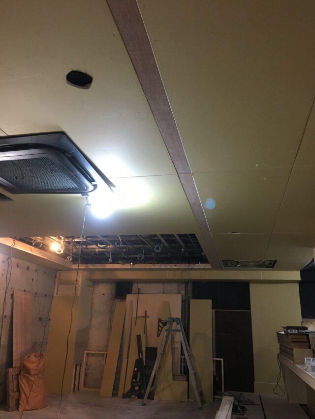 天井増貼り