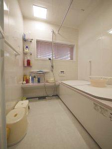 広く暖かくなった浴室リフォーム