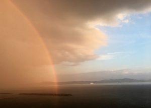 豪雨と晴れ間と虹
